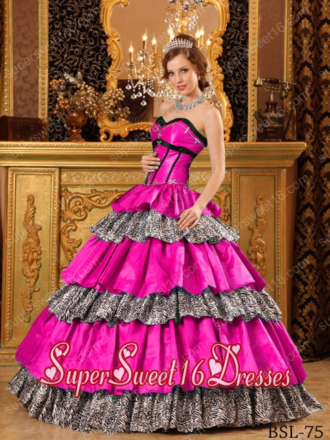 Beautiful Ball Gown Sweetheart Taffeta Ruffles 15th Birthday Party