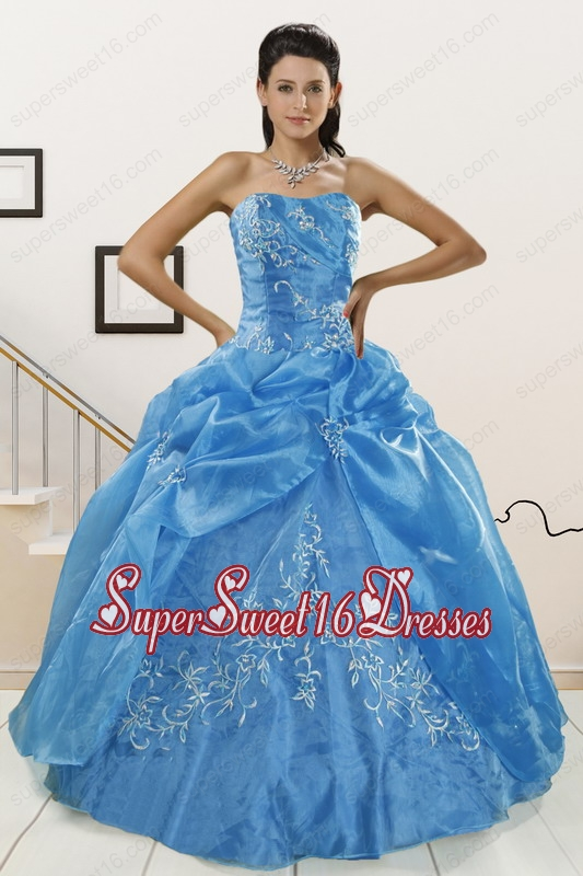 Classical Baby Blue 2015 Quinceanera Dresses with Embroidery