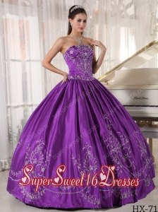 Ball Gown Strapless Satin 2013 Sweet 16 Dresses with Embroidery
