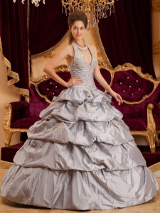 Romantic Gray Sweet 16 Quinceanera Dress Halter Taffeta Appliques Ball Gown