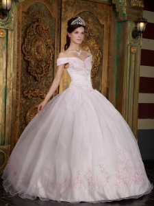 Modest Light Pink Sweet 16 Dress Off The Shoulder Appliques Organza Ball Gown