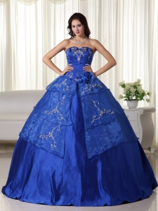 Royal Ball Gown Strapless Floor-length Organza Embroidery Sweet 16 Dress